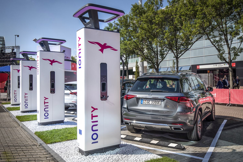 Mercedes GLE Plug-In-Hybrid an ionity