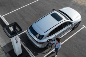 Mercedes EQC bei ionity