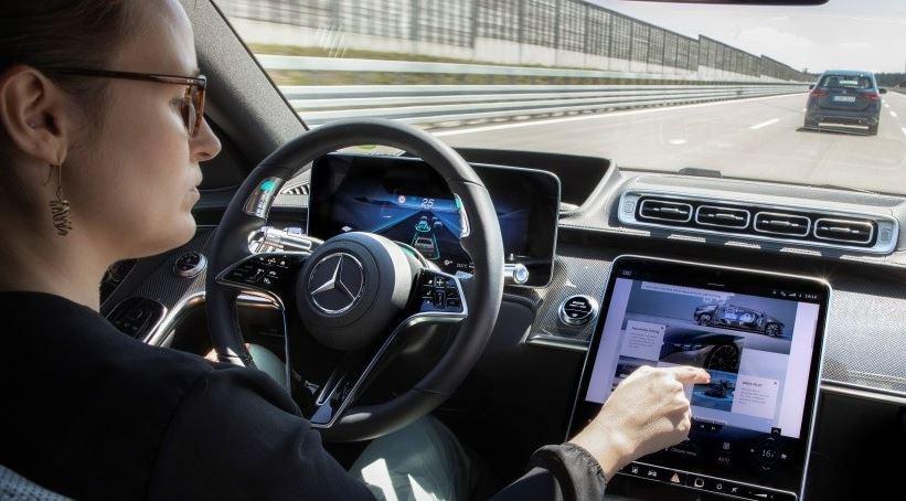 Mercedes-Benz S-Klasse Level 3 Lenkrad