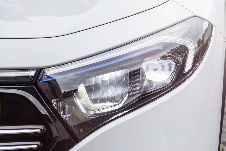 Mercedes EQA LED Scheinwerfer