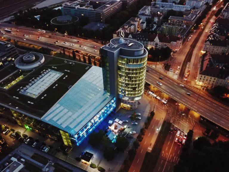 Mercedes Niederlassung Center München