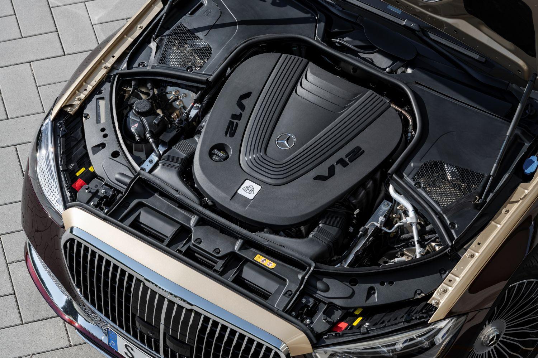 Maybach Mercedes S-Klasse V12 Motor