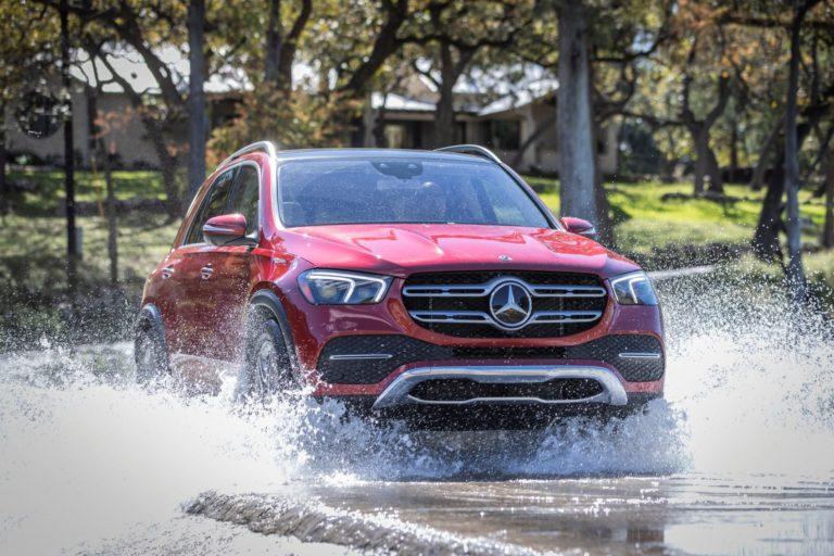 Mercedes GLE Wasserdurchfahrt