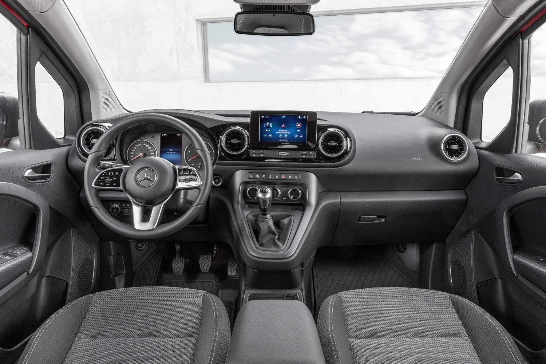 Mercedes Citan Interieur mit MBUX