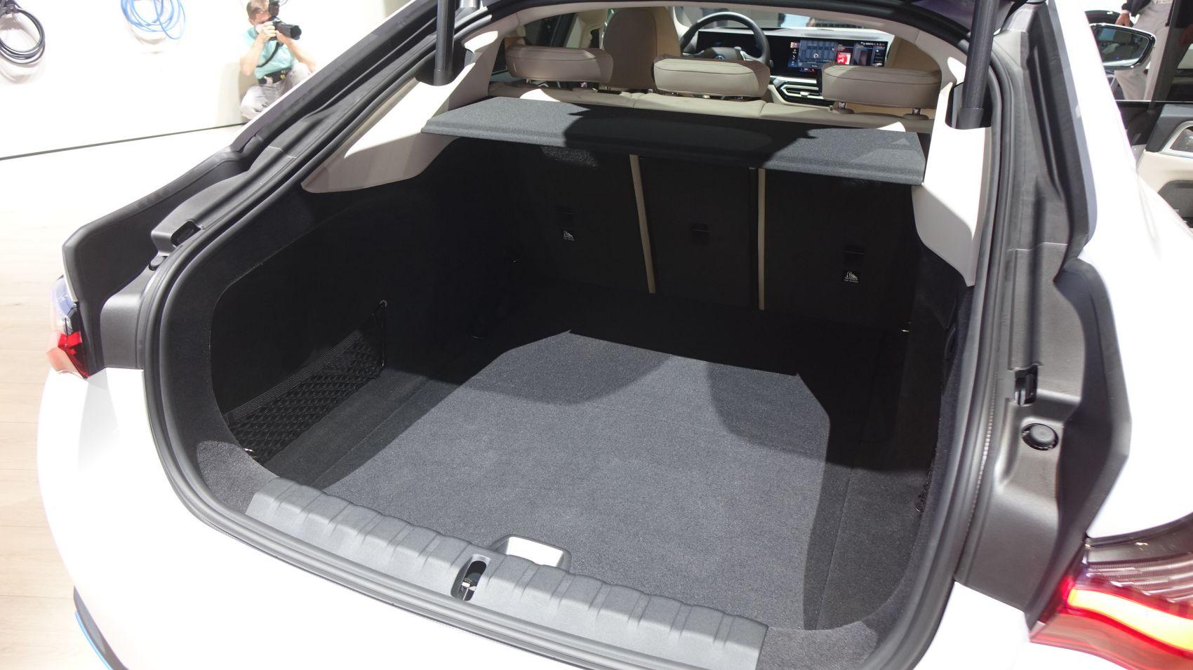 BMW i4 Kofferraum 470 Liter