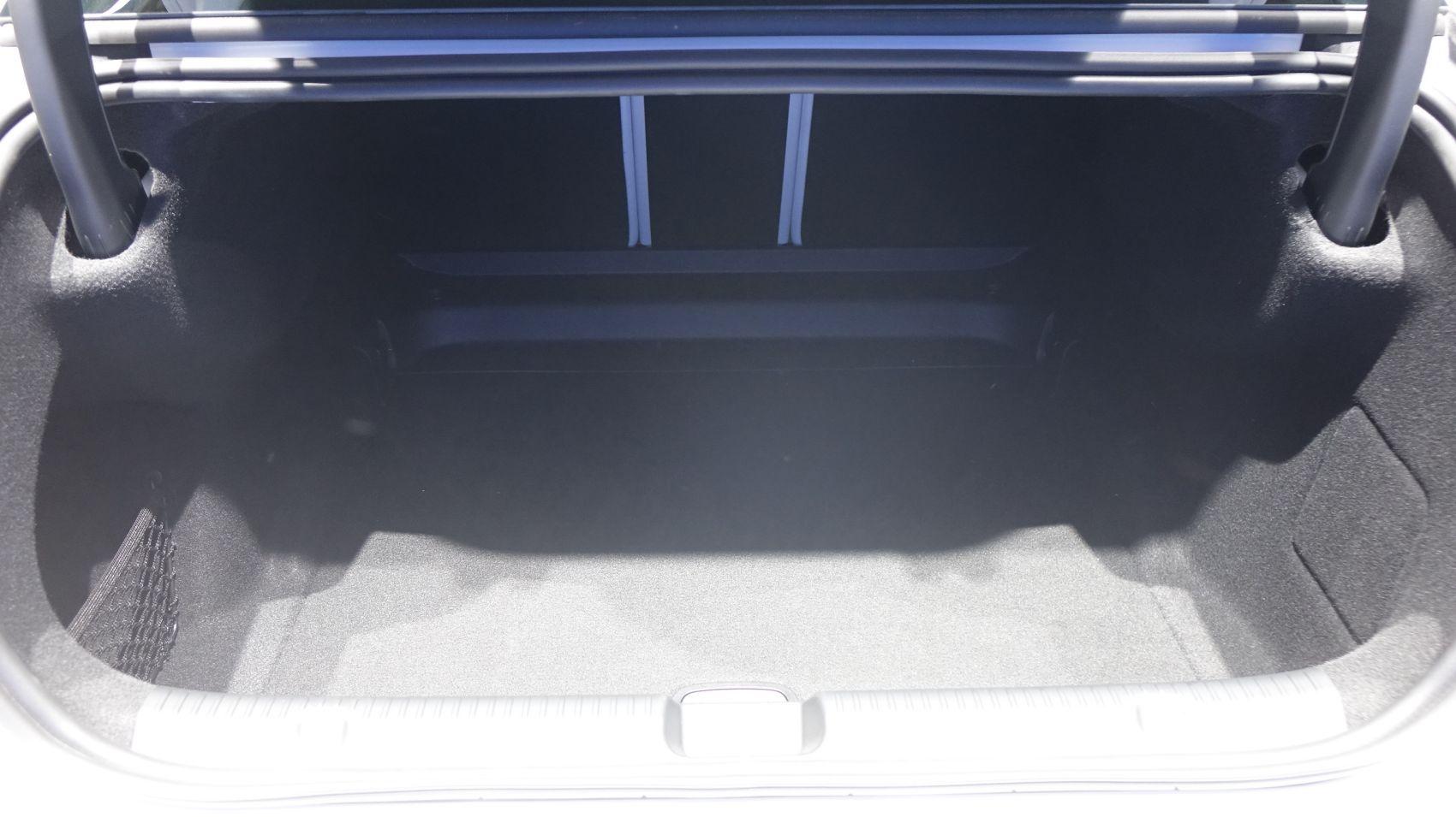 Mercedes EQE Kofferraum