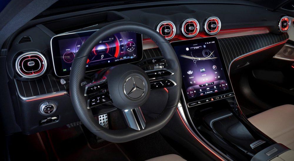 Mercedes-Benz C 300 d T-Modell (Kraftstoffverbrauch kombiniert (NEFZ): 5,3-5,1 l/100 km, CO2-Emissionen kombiniert: 141-134 g/km); spektralblau metallic; Ledernachbildung ARTICO nevagrau/schwarz; AMG Line // Mercedes-Benz C 300 d Estate (combined fuel consumption (NEDC): 5.3-5.1 l/100 km, combined CO2 emissions: 141-134 g/km); spectral blue metallic; ARTICO man-made leather neva grey/black; AMG Line;
